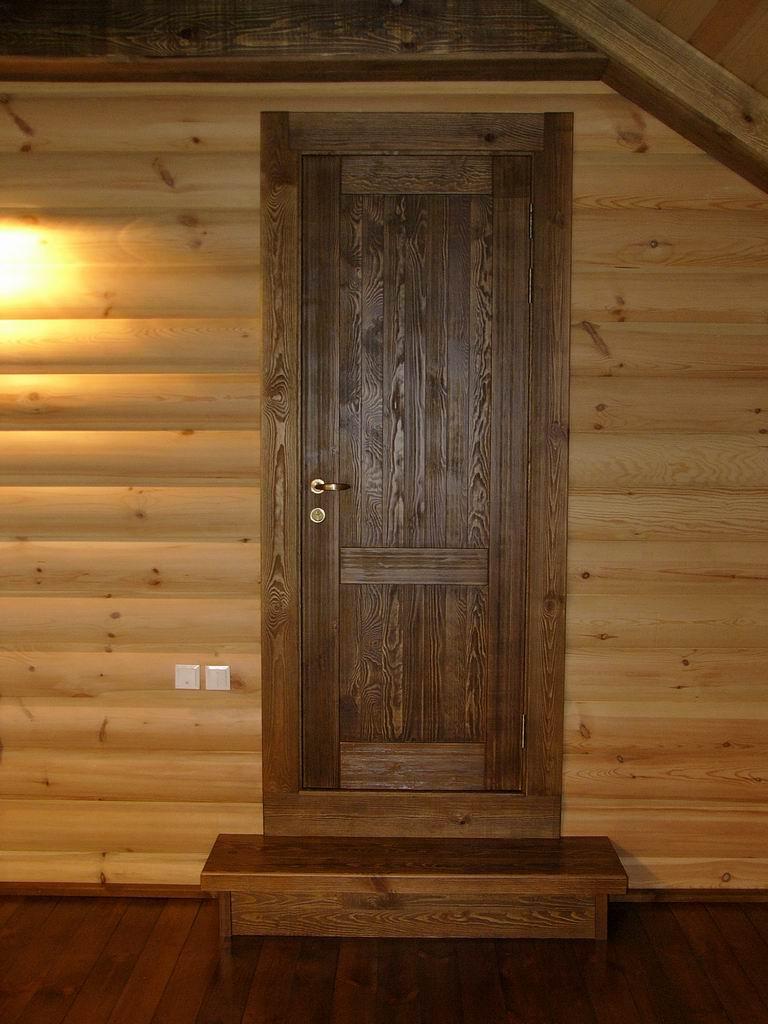 дверь входная поставить в доме из бруса